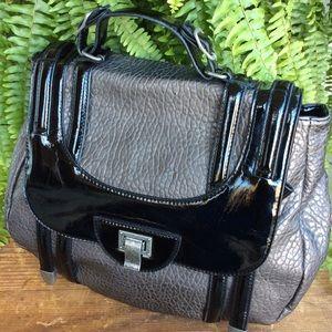 Gorgeous Jessica Simpson Satchel Handbag!